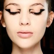 Геометрические стрелки в макияже