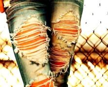 Лайфхак: как сделать рваные джинсы