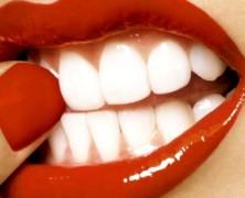 О кажущейся простоте домашнего отбеливания зубов