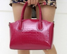 Лаковые сумки: выбираем с умом