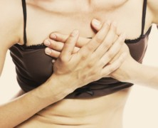 Боль в груди у женщин: тревожный сигнал или нормальное явление?
