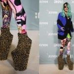 Леди Гага в эпатажной обуви