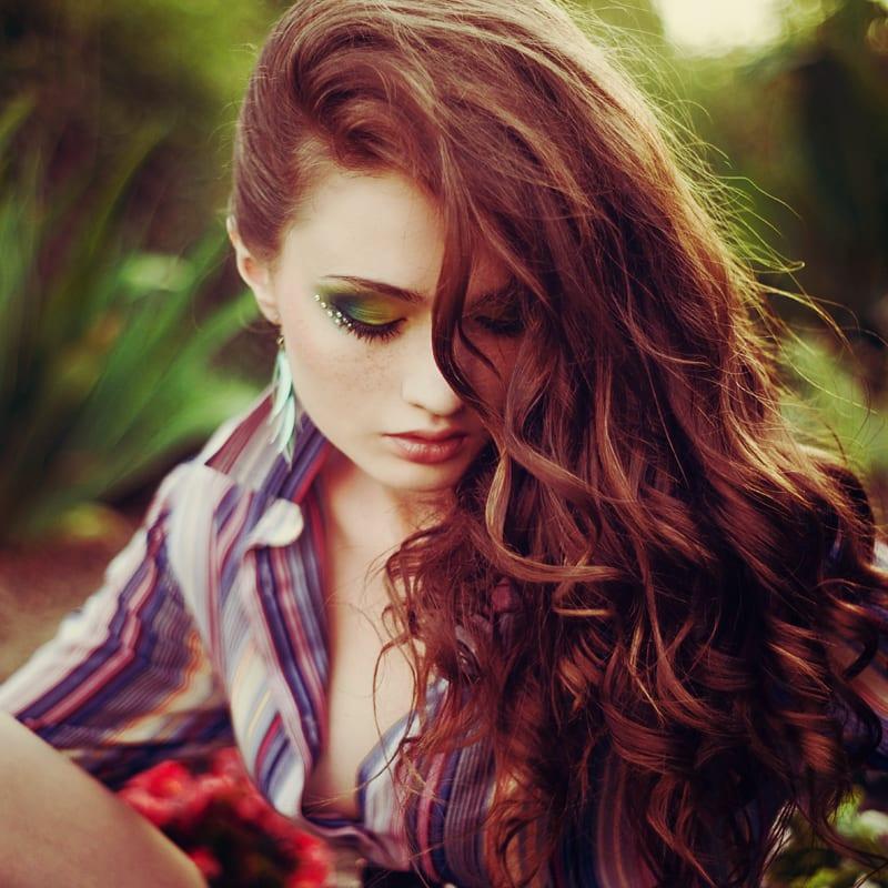 Касторка прекрасно подходит для лечения волос