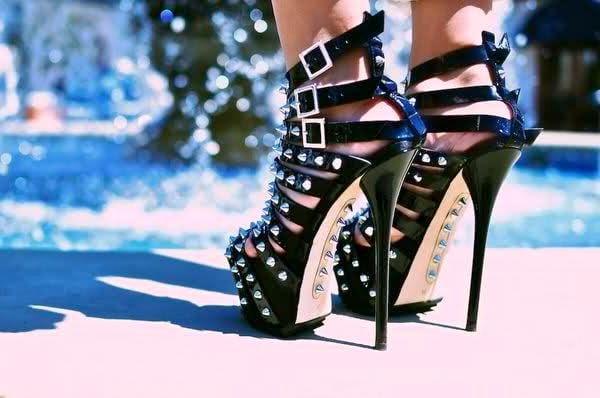 Шипованная обувь