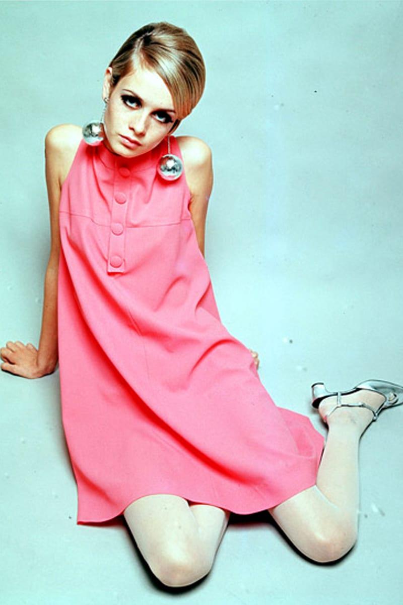 Твигги основала моду на кукольные платья