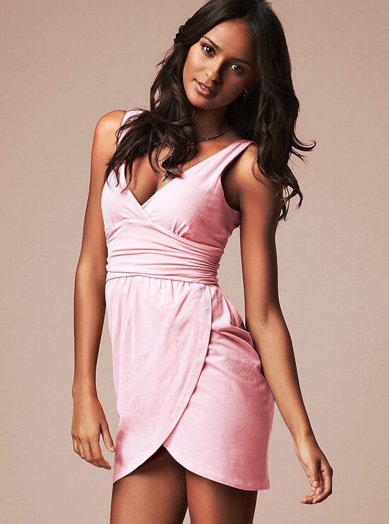 Платье пастельного цвета