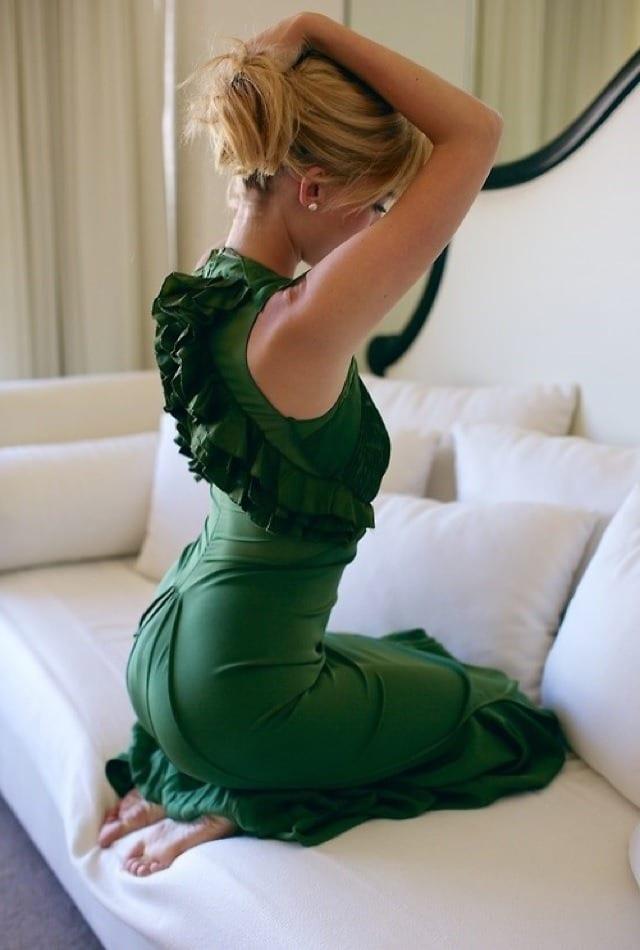 Фото девушек со спины в чулках на поясе на шпильках фото 547-518
