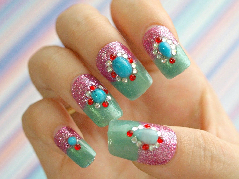 Красивые ногти с блёстками