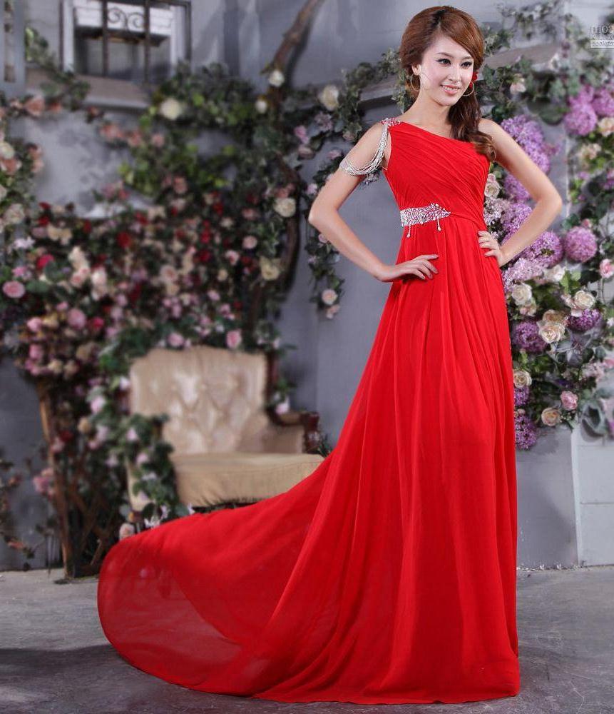 Изобр по > Длинное Красное Платье на Одно Плечо
