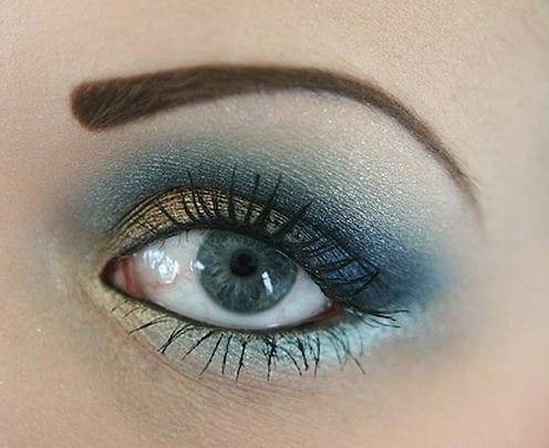 Небесно голубой цвет глаз