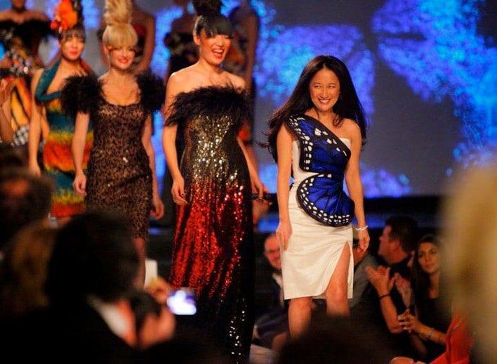 Модный показ платьев