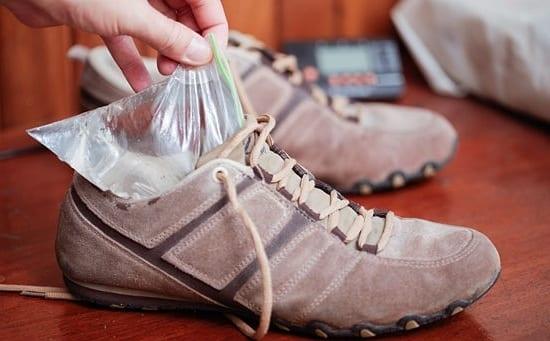 Замораживание воды в обуви