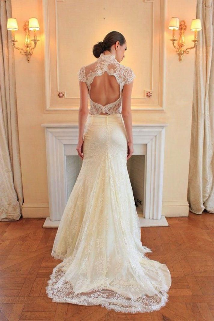 Платье узкое открытой спиной кружевное