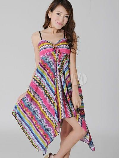 14aa55e4055 Сшить платье из платков своими руками можно и по выкройке. Все более чем  просто  к платку прикладывается немудреная выкройка