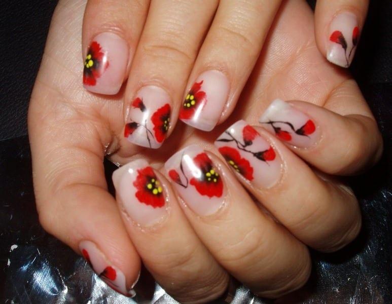Пошаговые рисунки на ногтях. Дизайн «Золотая рябина»