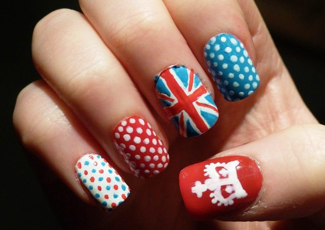 Ногти с британским флагом