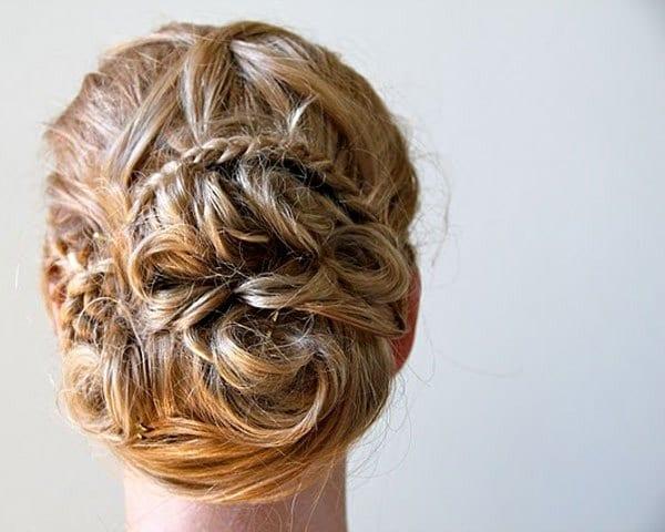 Милые завитки из волос