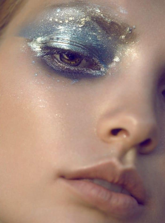 Макияж глаз с блестками