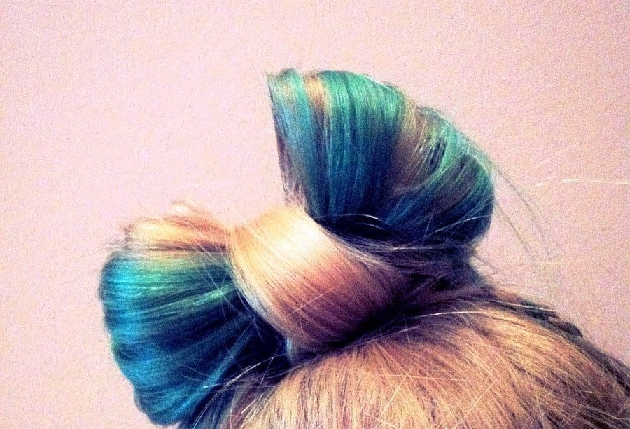 blonde-turquoise-hair-bow