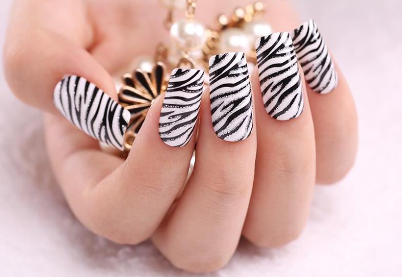 Животные принты на ногтях