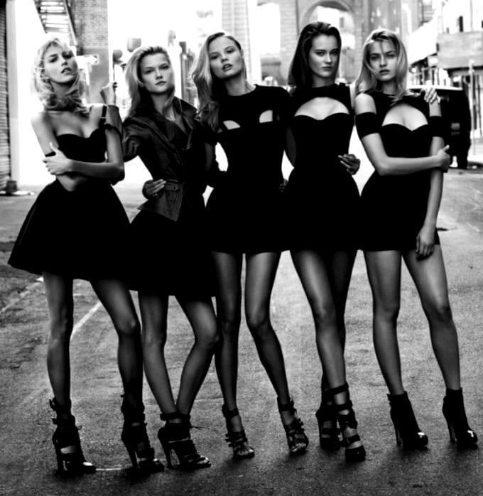 Фото девичника в черных платьях