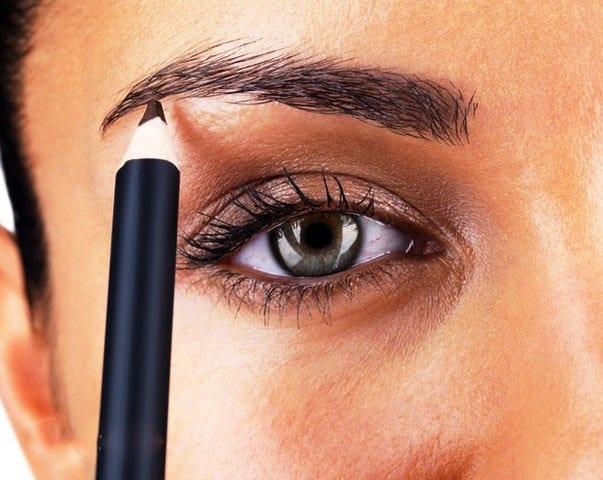 Красим брови карандашом