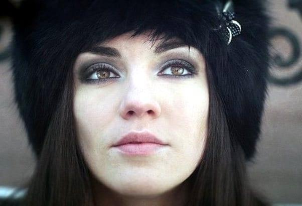 черный цвет глаз фото: