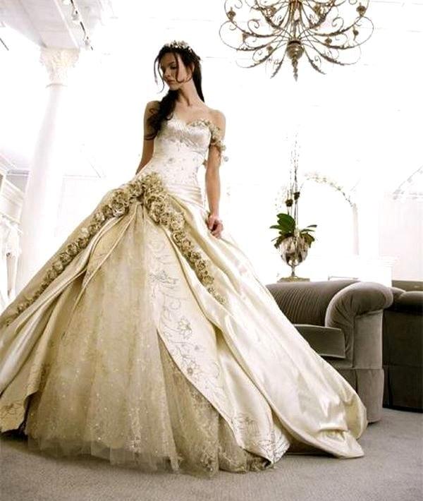 2da418b8bfdcd99 Вот только выбирая самые необычные свадебные платья, невеста должна  прислушиваться к собственному вкусу. Ведь, конечно, долго никто из гостей  не сможет ...