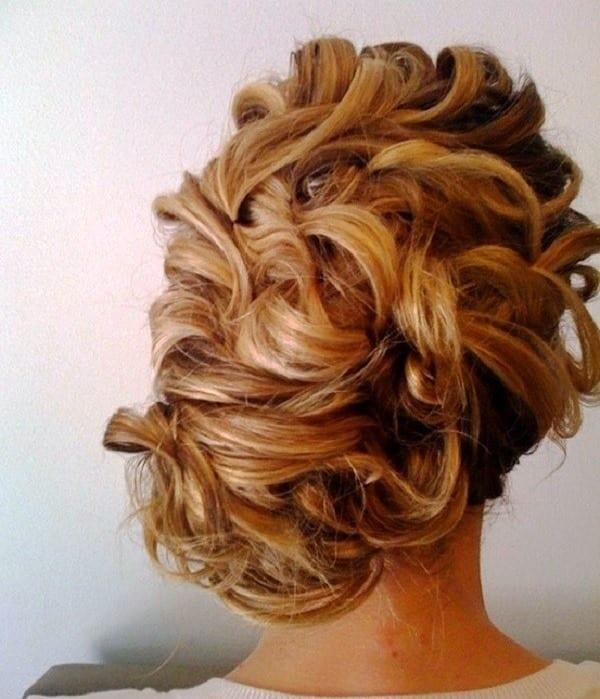 Укладка из волнистых волос