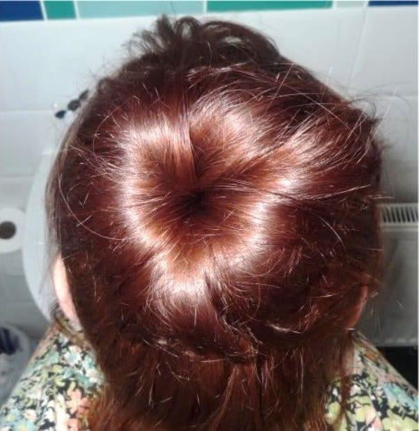 Шишка из коротких волос