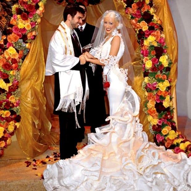 Свадебное платье с рюшами