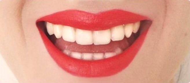 Стойкая губная помада