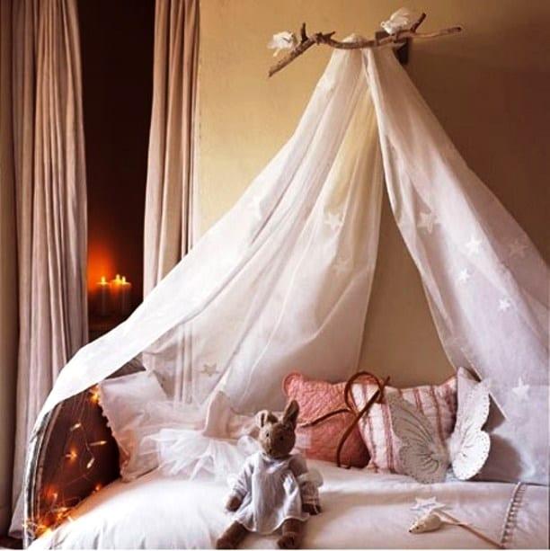 Кровать в детскую для девочки
