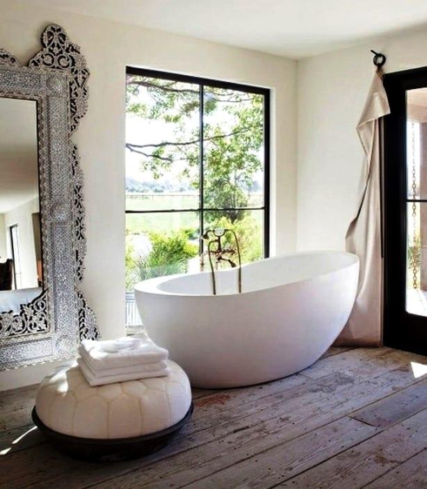 Светлая ванная