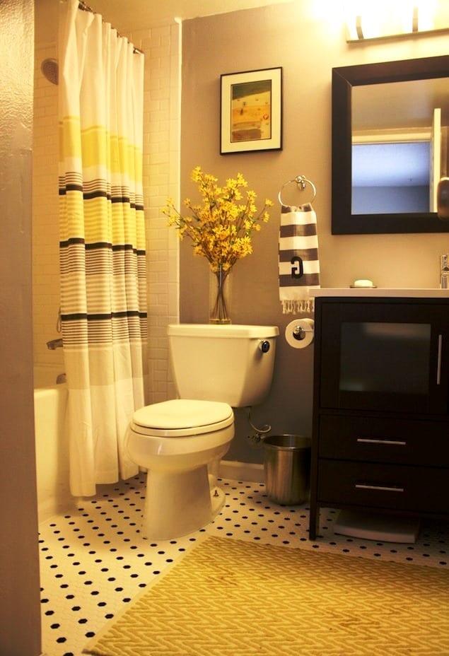 Yellow gray bathroom