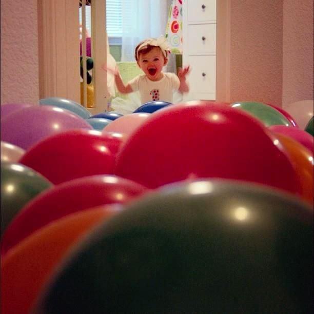 Шарики - радость для ребенка