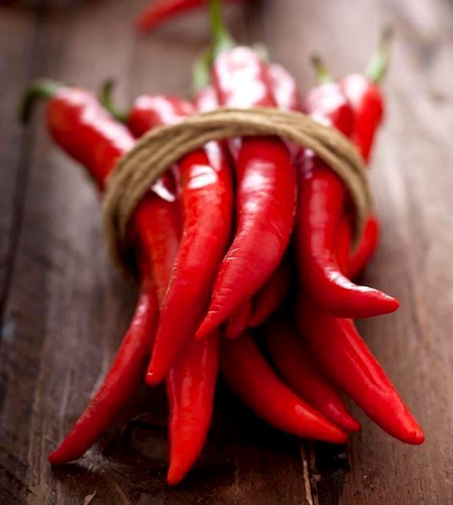 Красный перец для роста бровей