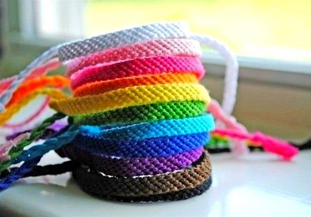 Цветные фенечки