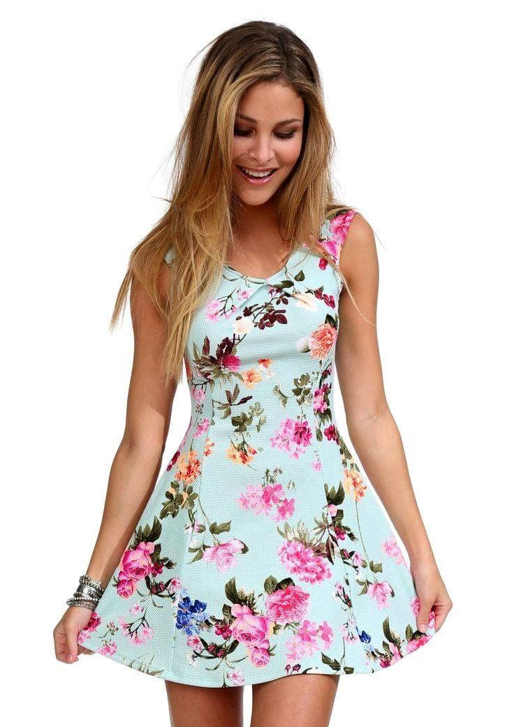 Платье для молодых девушек
