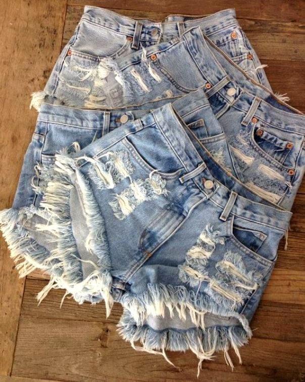 Как сделать шорты с бахромой из старых джинс своими руками