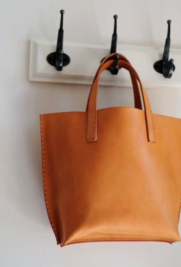 Трапециевидная сумка с чем носить