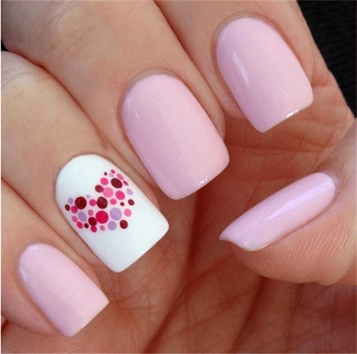 фото нежно розовый маникюр