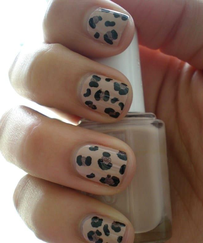 Маникюр с леопардовым принтом