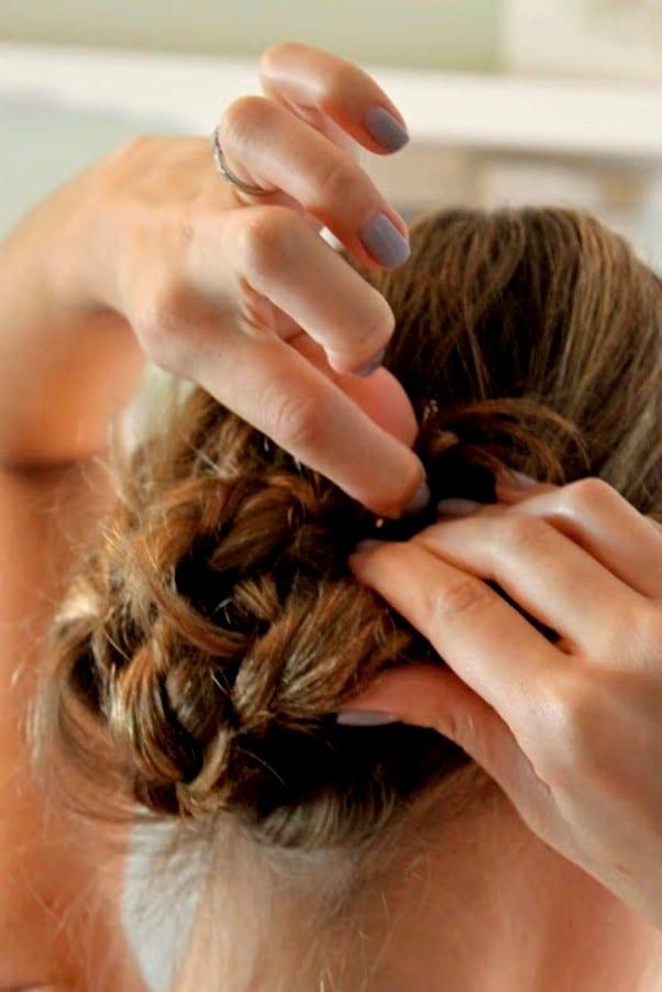 Прическа из узла волос