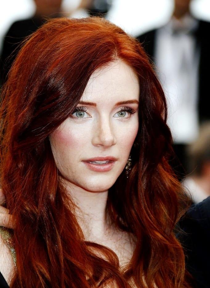 Макияж под рыжие волосы и карие глаза