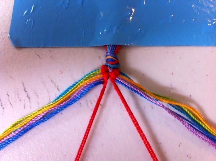 Как сделать себе браслет из ниток