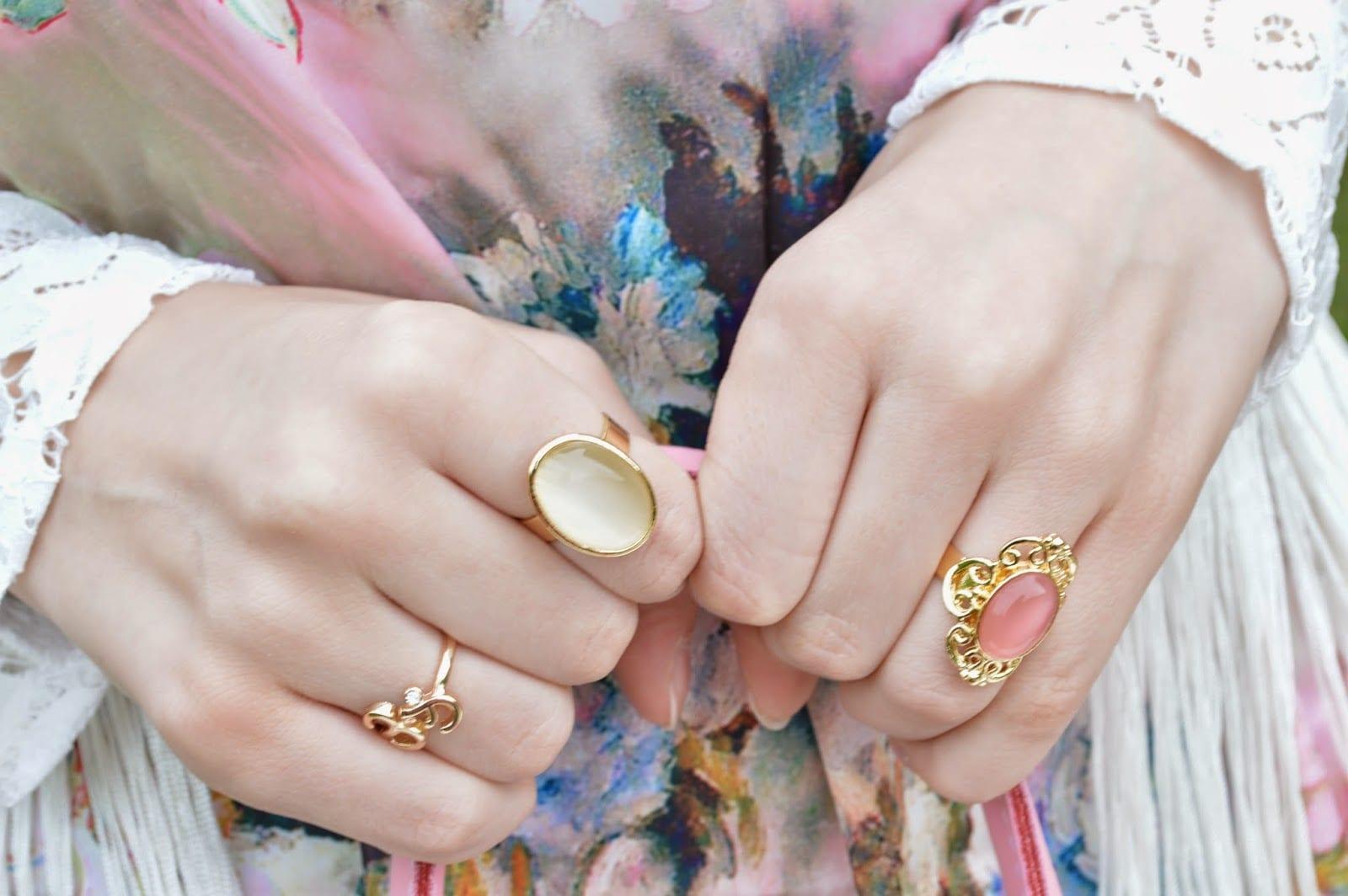 Для девушек на каком пальце лучше носить кольцо
