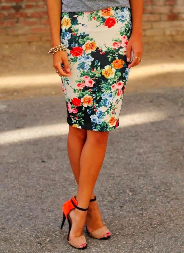 Яркая цветастая юбка