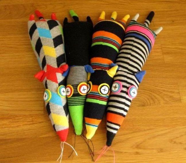 Простая игрушка своими руками из носка