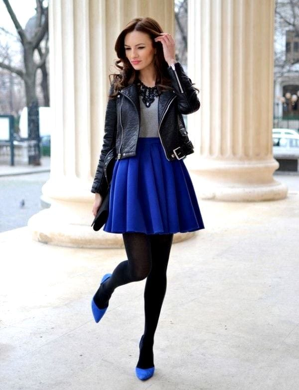 С чем носить короткую темно синюю юбку